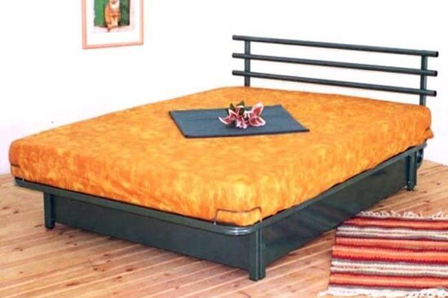 מיטת מתכת דגם B302+ארגז מצעים