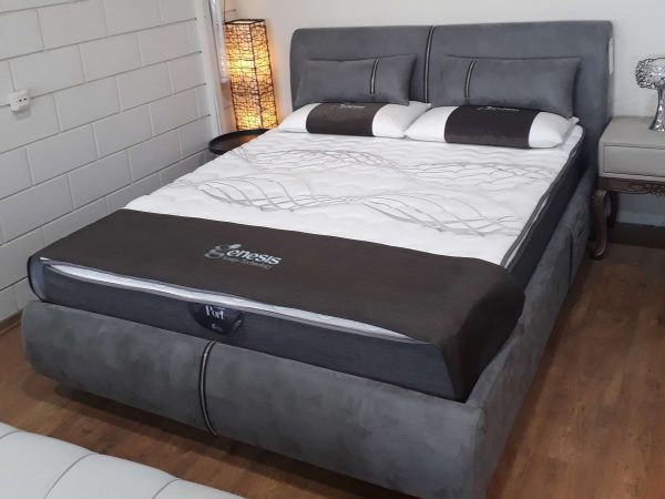 מיטה מרופדת דגם רסיטל