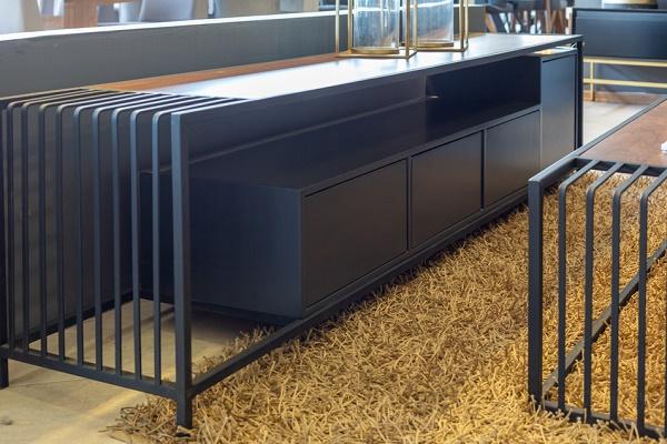 מזנון + שולחן ברזל