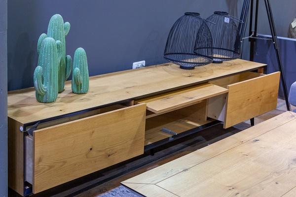 מזנון + שולחן דגם לייזר