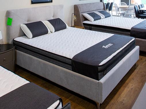 """מיטה מרופדת דגם """"נאפולי"""""""