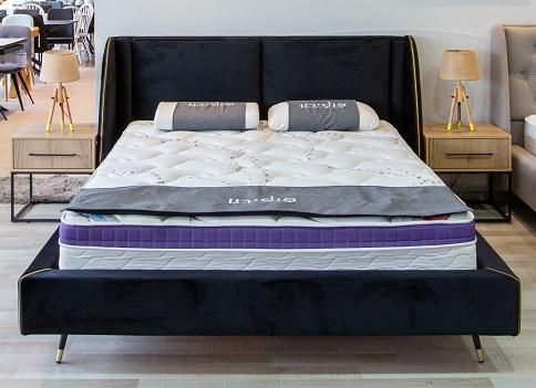 """מיטה מרופדת דגם """"ניוז"""""""